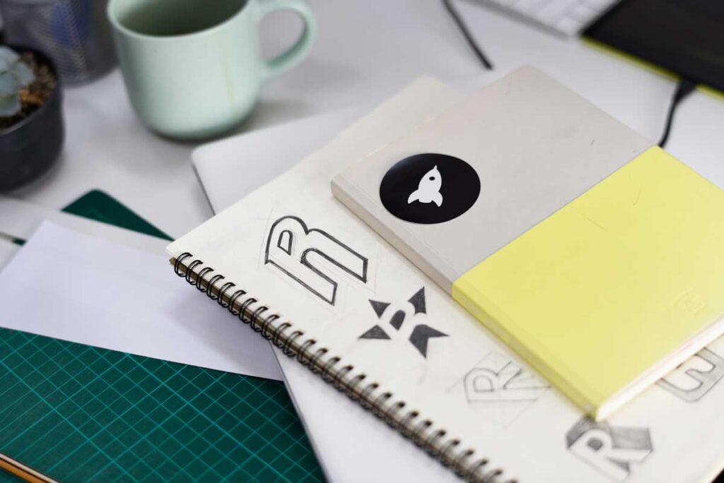 diseño gráfico publicitario logo